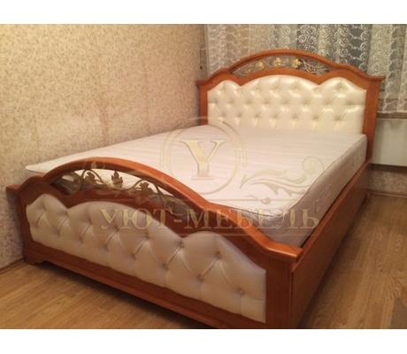 Деревянная двуспальная кровать из массива Венеция
