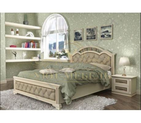 Деревянная двуспальная кровать из массива Венеция тахта