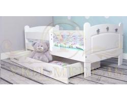 Детская кровать из дуба Карелия