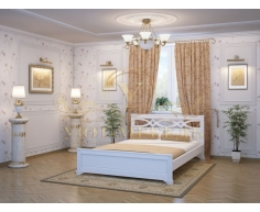 Деревянная двуспальная кровать из массива Лира