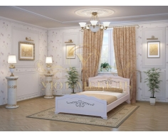 Деревянная двуспальная кровать из массива Муза